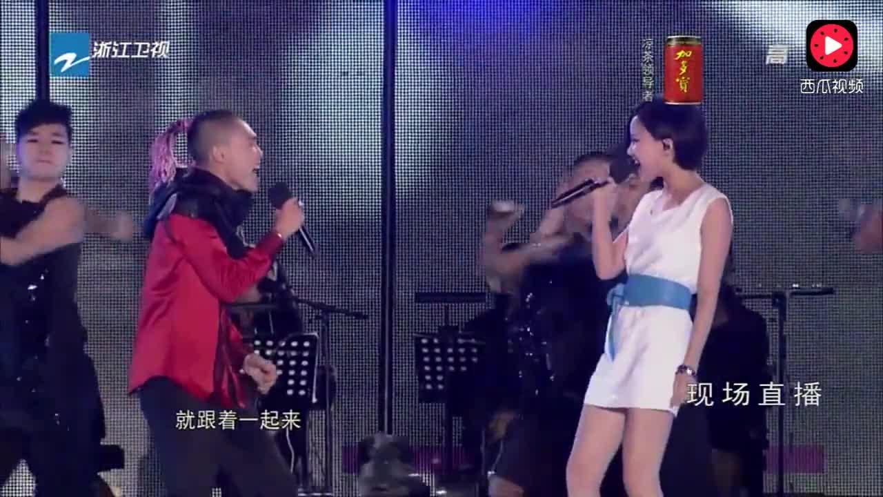 嗨歌 黄龄_张玮和《嗨歌》原唱黄龄同台合唱这首歌,耳朵受不了_网易视频
